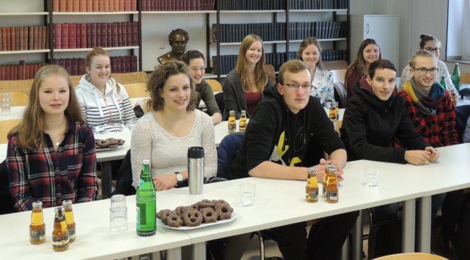 Q2ler beim Schülerlabortag der medizinischen Fakultät in Münster