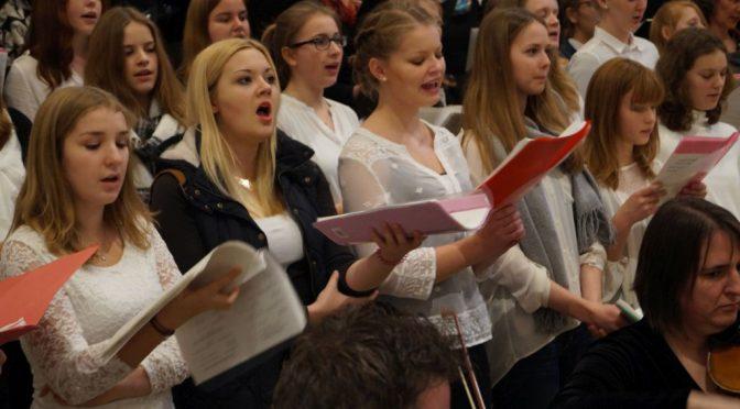 Weihnachtlicher Projektchor sucht  Sänger(innen)
